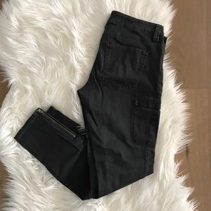 Express black faded skinny utility pants size 4